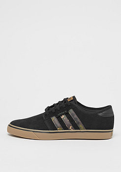 adidas Seeley core black