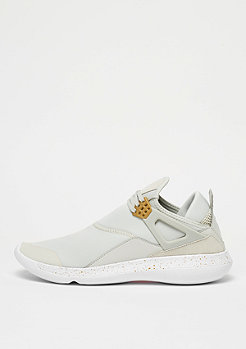 JORDAN Fly 89 light bone/metallic gold/white