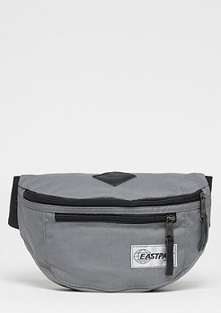 Eastpak Bundel into concrete