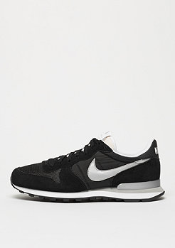 Laufschuh Internationalist black/metallic silver/white