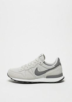 Laufschuh Wmns Internationalist light bone/cool grey/summit white