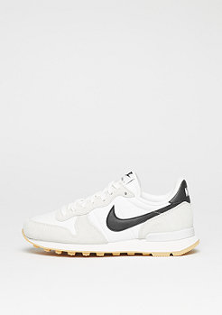NIKE Wmns Internationalist summit white/black/gum yellow