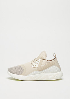 NIKE Wmns Lunarcharge Essential oatmeal/sail/volt