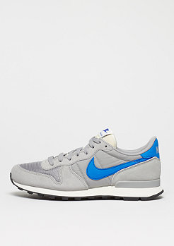 Laufschuh Internationalist matte silver/blue spark/sail