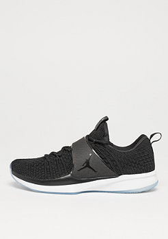 Trainer 2 Flyknit black/black/white