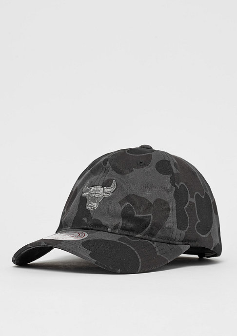 Mitchell & Ness Camo Slouch NBA Chicago Bulls black camo