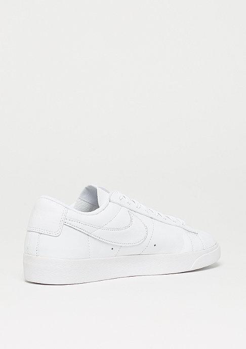 NIKE Wmns Blazer Low LE white/white-white