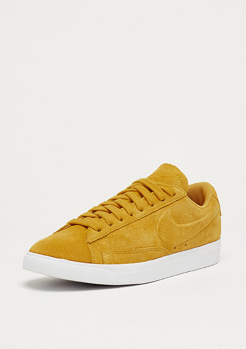 NIKE Wmns Blazer Low LE mineral yellow/mineral yellow-white