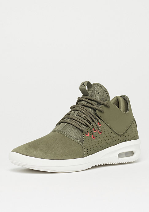 JORDAN First Class medium olive/black/summit white