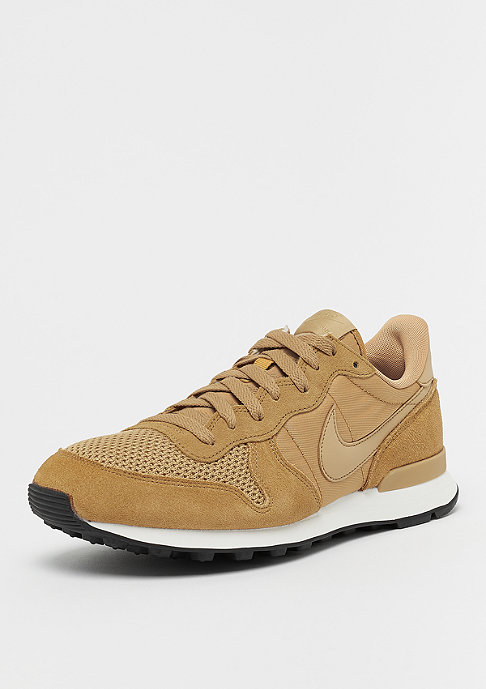 NIKE Internationalist SE elemental golden/elemental golden/sail
