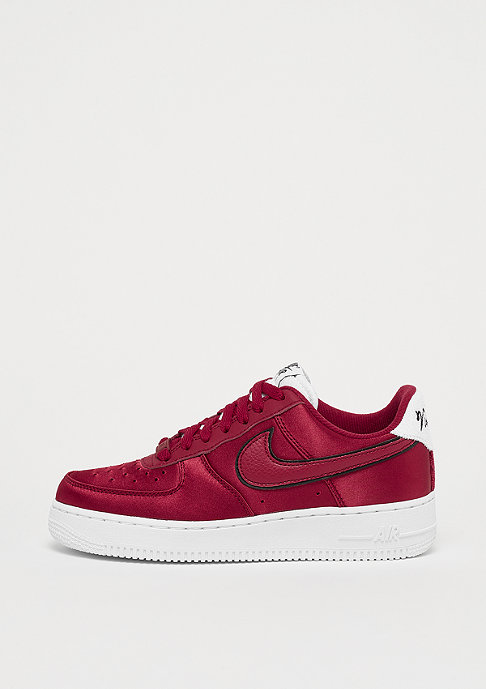 NIKE Wmns Air Force 1 red crush/red crush-white