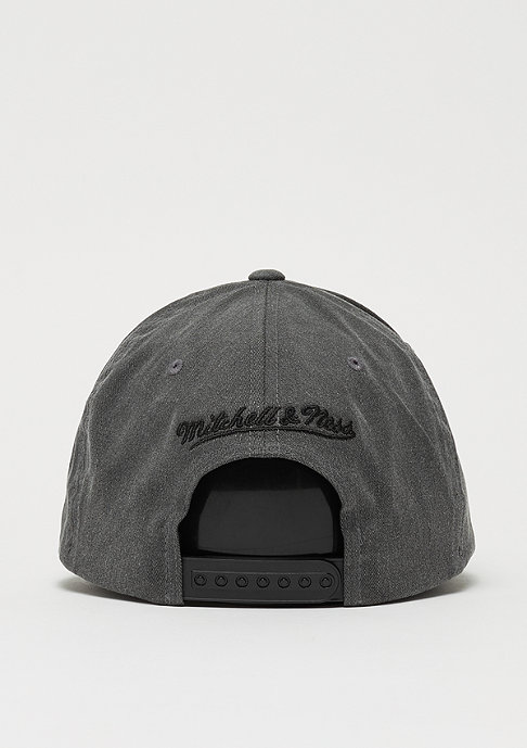 Mitchell & Ness M&N Washed Denim 110 Curved Snap black