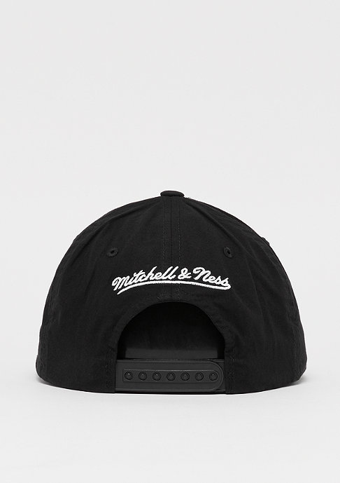 Mitchell & Ness Biowashed Zig Zag 110 Curved Snap black