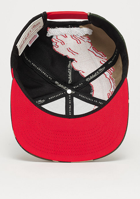 Mitchell & Ness NBA Chicago Bulls Camo Paintbrush Snap black