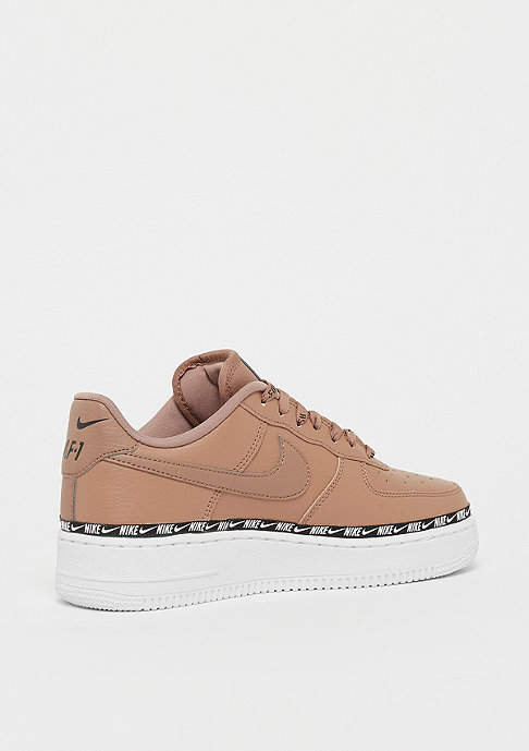 NIKE Wmns Air Force 1 07 SE Premium deser dust/black/white