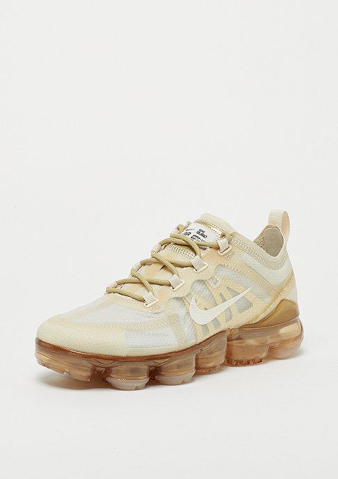 NIKE Air VaporMax 2019 cream/white-metallic/gold