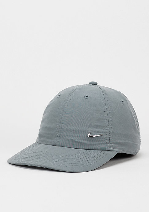 NIKE Strapback-Cap Metal Swoosh cool grey/metallic silver