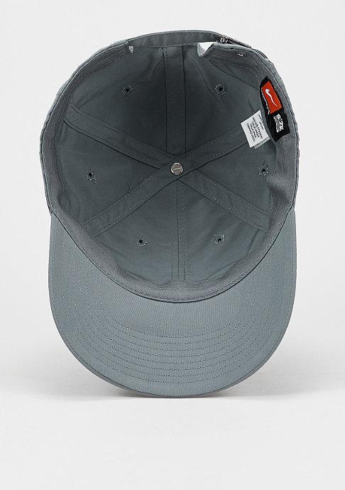 NIKE Metal Swoosh cool grey/metallic silver