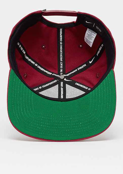 NIKE NSW Pro Futura red crush/pine green/black/white