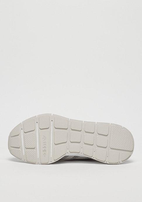 adidas Swift Run core talc/talc/ftwr white