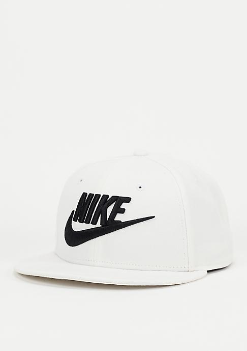 NIKE Snapback-Cap Futura white/black