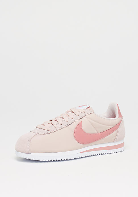 NIKE Wmns Classic Cortez Nylon silt red/red stardust/white