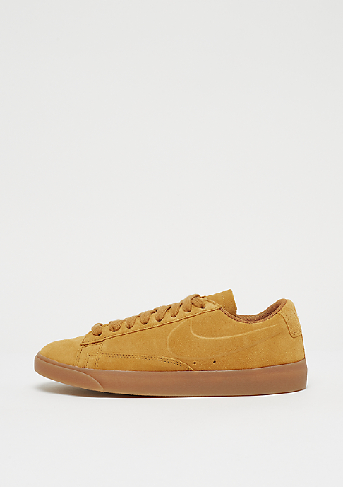 NIKE Wmns Blazer Low gold dart/gold dart/gum light brown