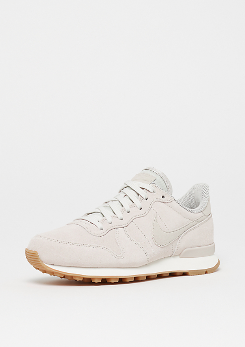 nike internationalist light bone