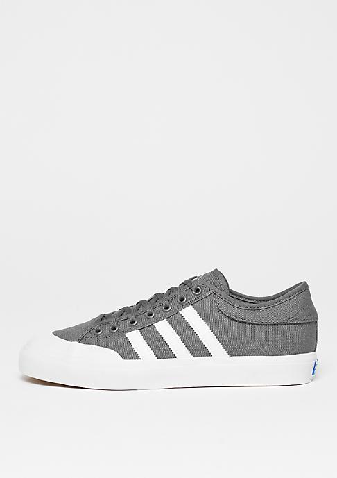 adidas Skateboarding Matchcourt Canvas grey four/ftwr white/gum