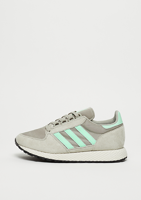 adidas Forest Grove W sesame/cloud white/core black