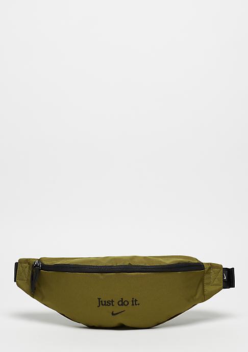 NIKE NSW Heritage Waist olive flak/black/black