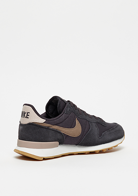 NIKE Wmns Internationalist oil grey/mink brown-summit white