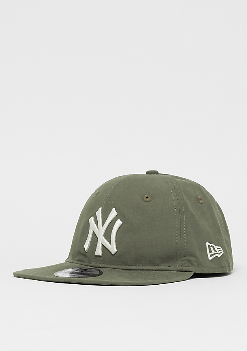 New Era 9Twenty MLB New York Yankees Light Nylon new oliv/of wht