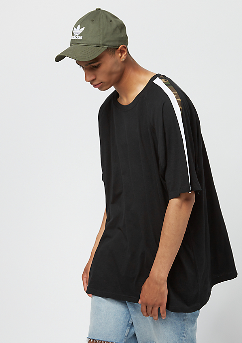 Urban Classics Oversize Stripe Shoulder black/white/woodcamo