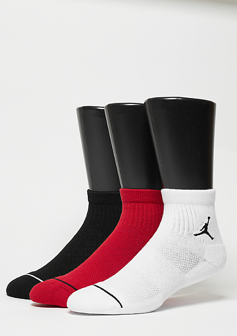 JORDAN Sportsocke Unisex Jumpman High-Intensity Quarter 3Pair black/white/red