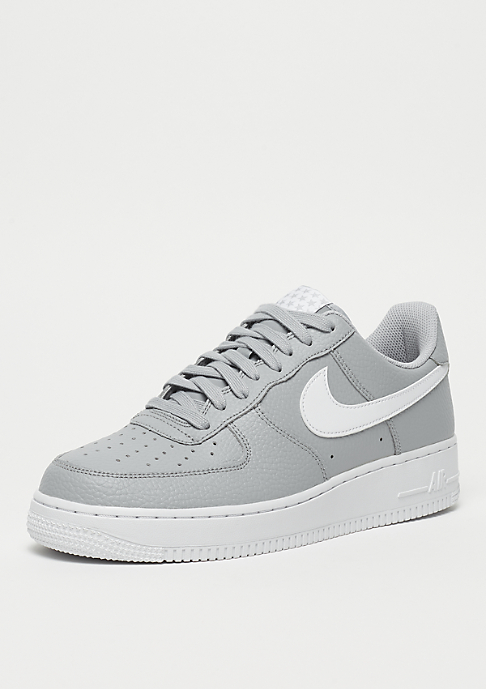 NIKE Air Force 1 07 wolf grey/white