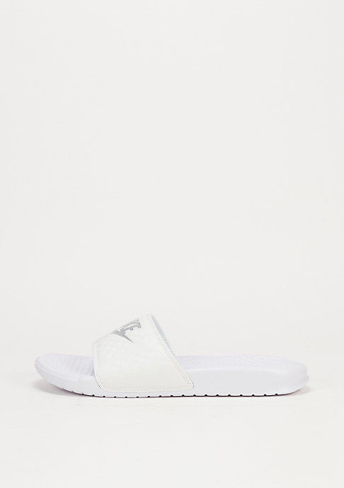 NIKE Wmns Benassi Just Do It white/metallic silver