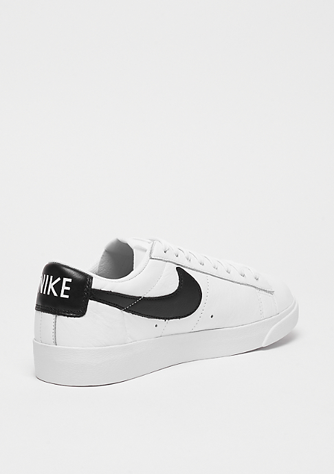 NIKE Wmns Blazer Low LE white/black