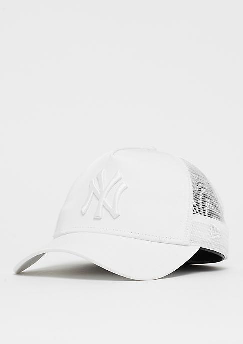 New Era 9Forty Trucker MLB New York Yankees Satin white/white