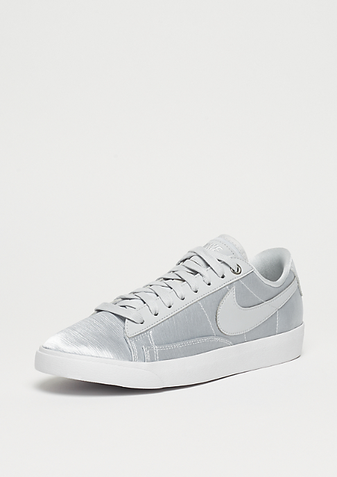 NIKE Wmns Blazer Low pure platinum/pure platinum-white