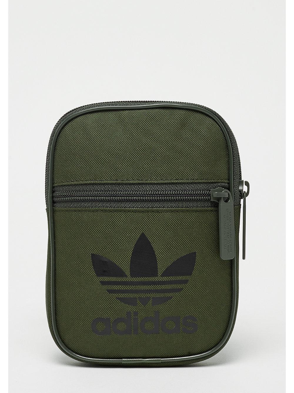 c5fb88314dd adidas Festival Bag Trefoil night cargo bij SNIPES bestellen