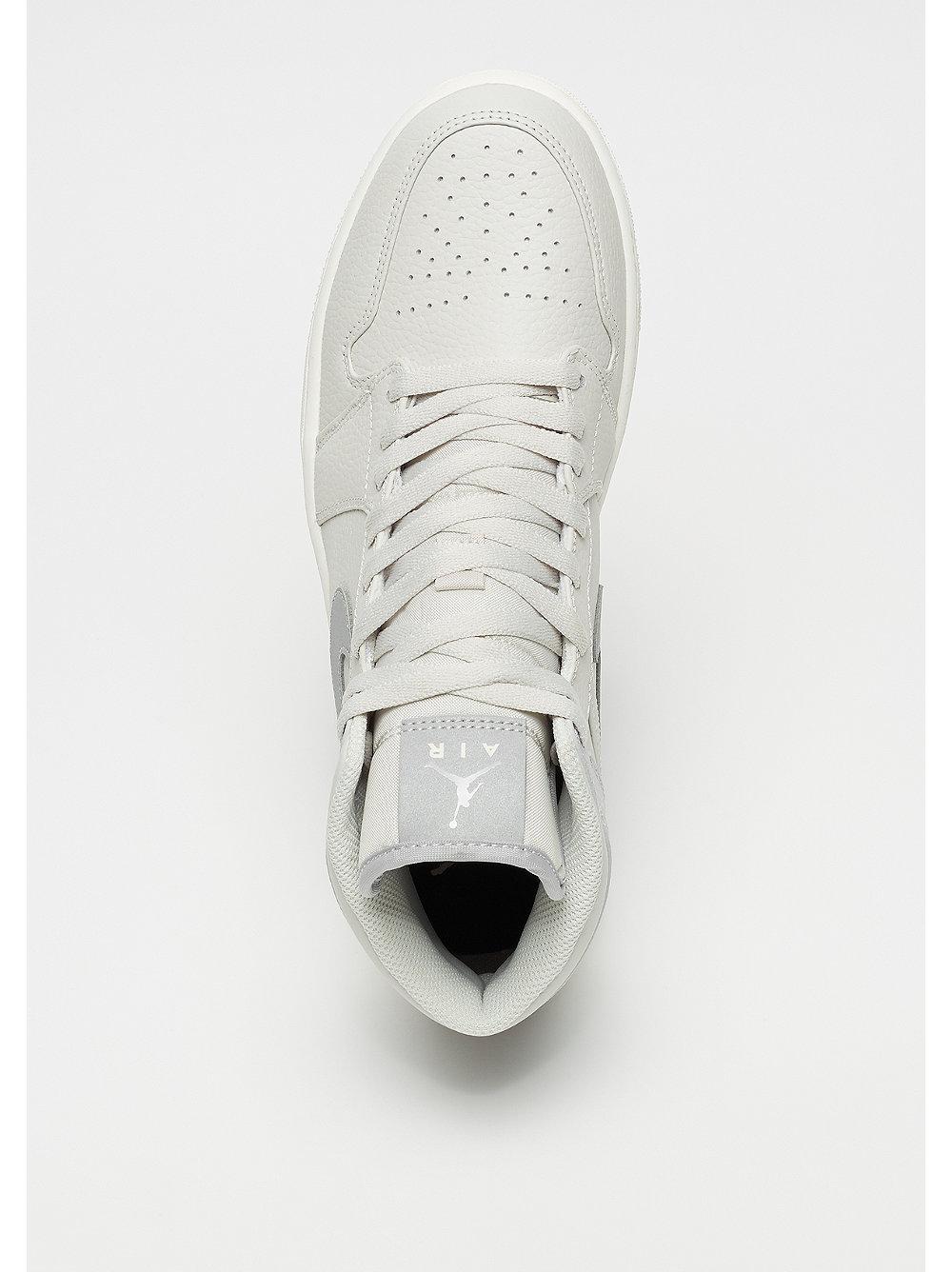 556bc933e60 Zapatillas Jordan Air Jordan 1 mid white en SNIPES