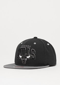 Mitchell & Ness NBA Snapback-Cap BGW2 Chicago Bulls black/charcoal