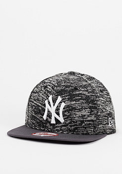 New Era Lightweight Knit Tech Pack MLB New York Yankees grey