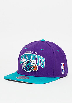 Mitchell & Ness Snapback-Cap Team Arch NBA Charlotte Hornets blue/teal