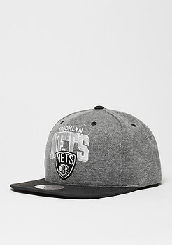 Mitchell & Ness Snapback-Cap Nubuck Team Arch NBA Brooklyn Nets grey/black