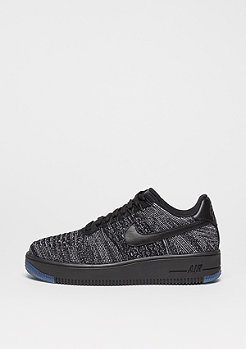 NIKE Basketballschuh Wmns Air Force 1 Flyknit Low black/black/white