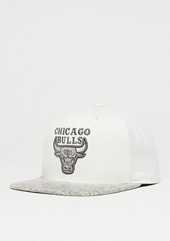 Mitchell & Ness Solid Crown Space Knit Visor NBA Chicago Bulls cream/grey