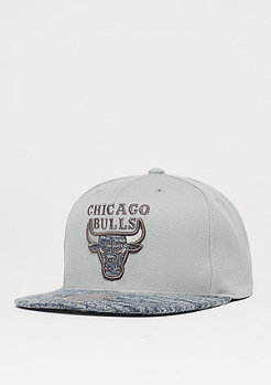Mitchell & Ness Solid Crown Space Knit Visor NBA Chicago Bulls grey/blue