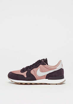 NIKE Wmns Internationalist particle pink/light bone/port wine